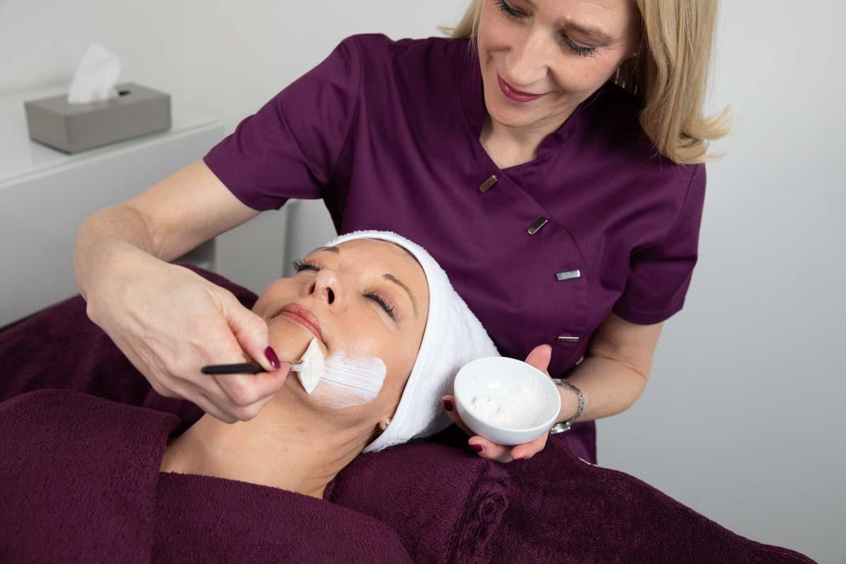 COSMETIC-INSTITUT BB - Birgit Ruland | Behandlung